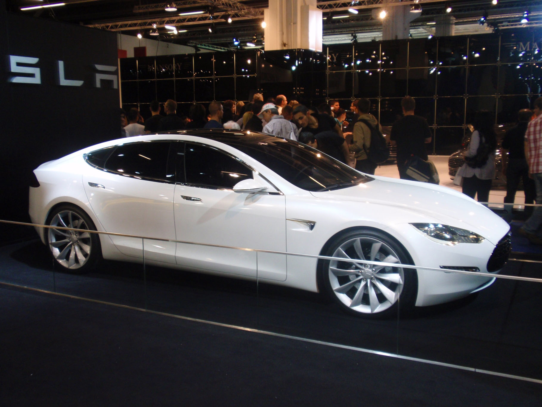 en21-tesla-cars-evolution_05