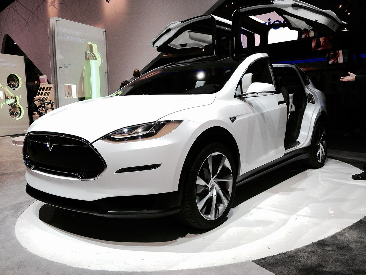en21-tesla-cars-evolution_10