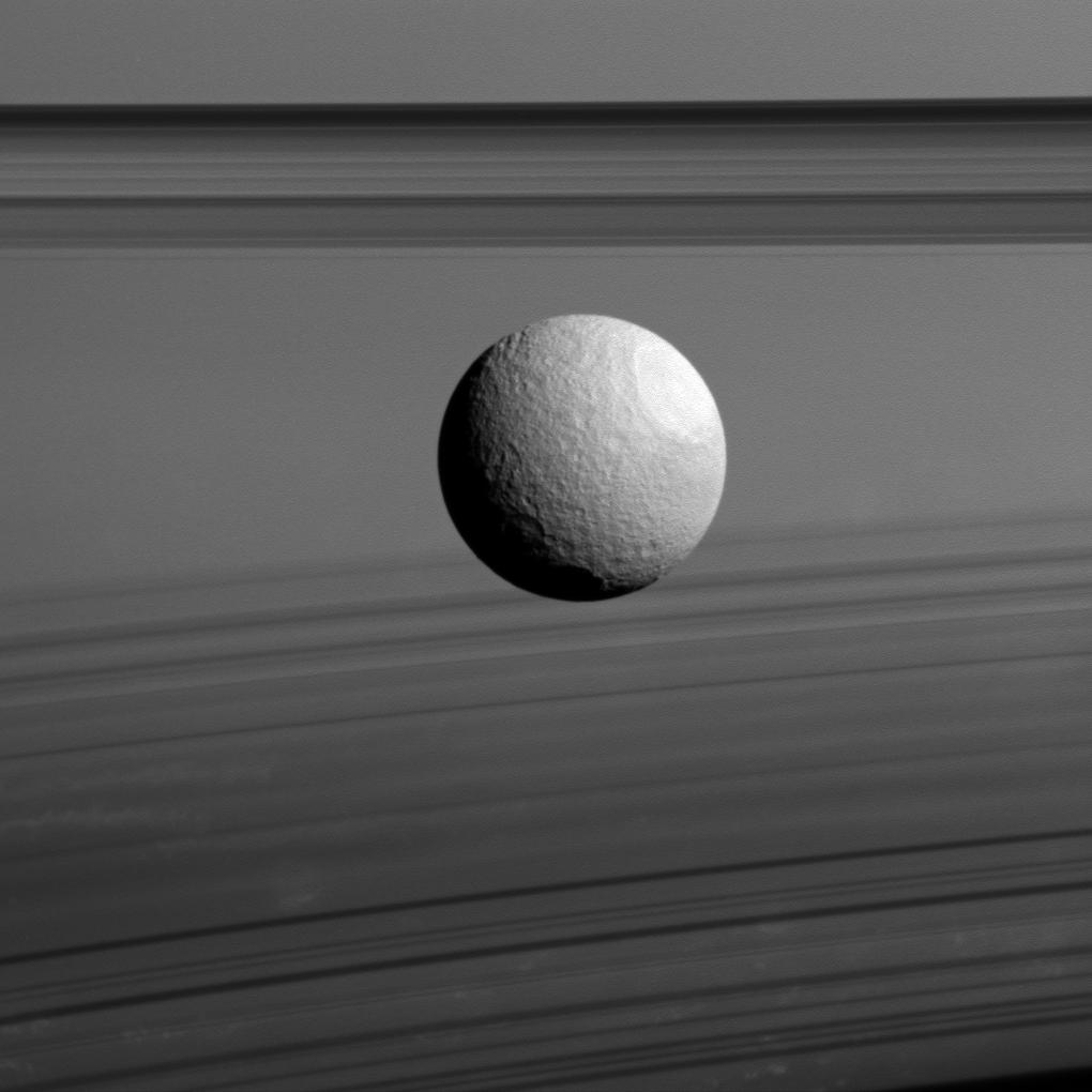 en52-moons-of-saturn_21