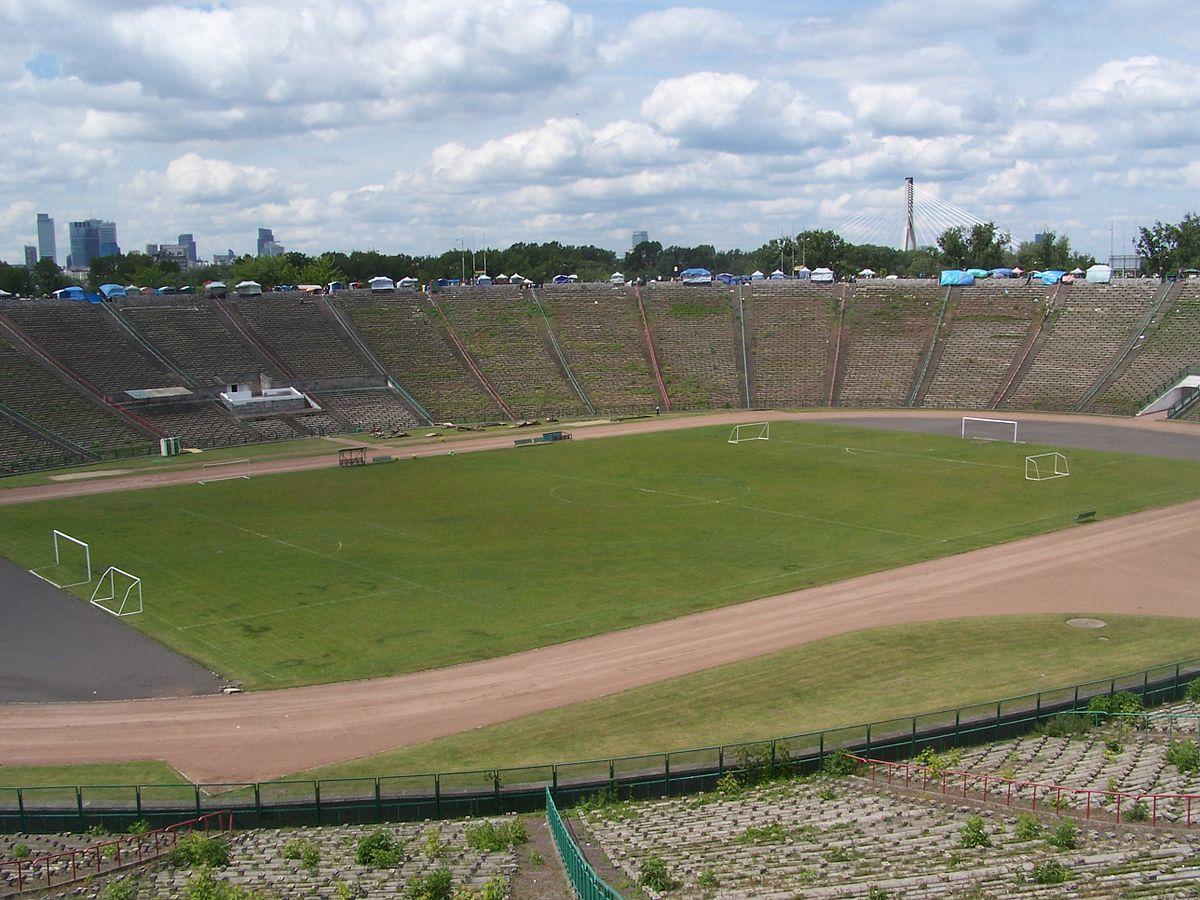 en74-two-stadiums_03