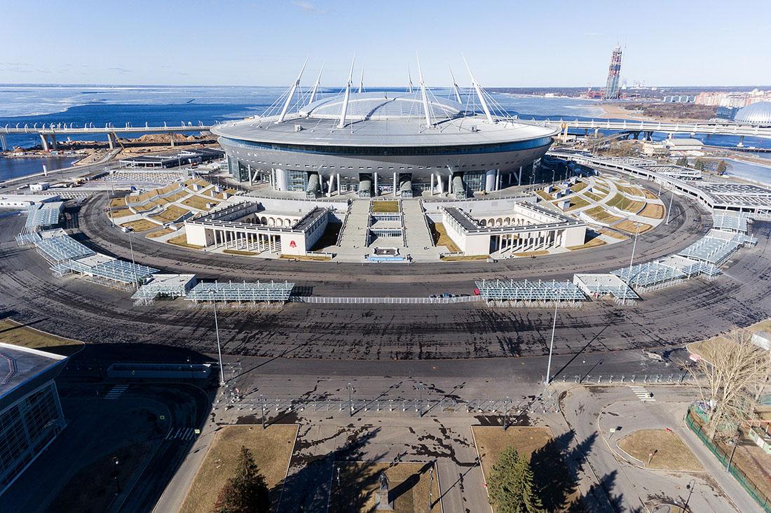 en74-two-stadiums_14