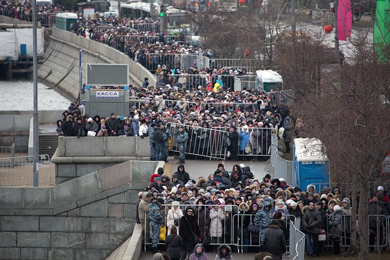 en76-russia-will-always-have-queues_16