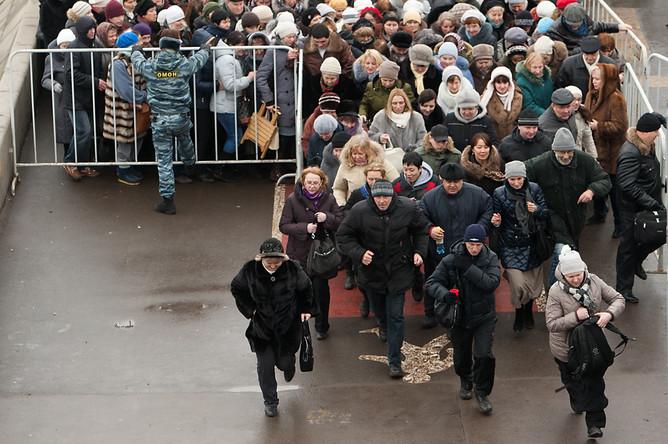 en76-russia-will-always-have-queues_17