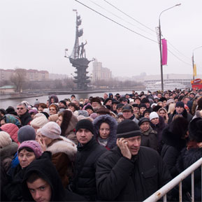 en76-russia-will-always-have-queues_small