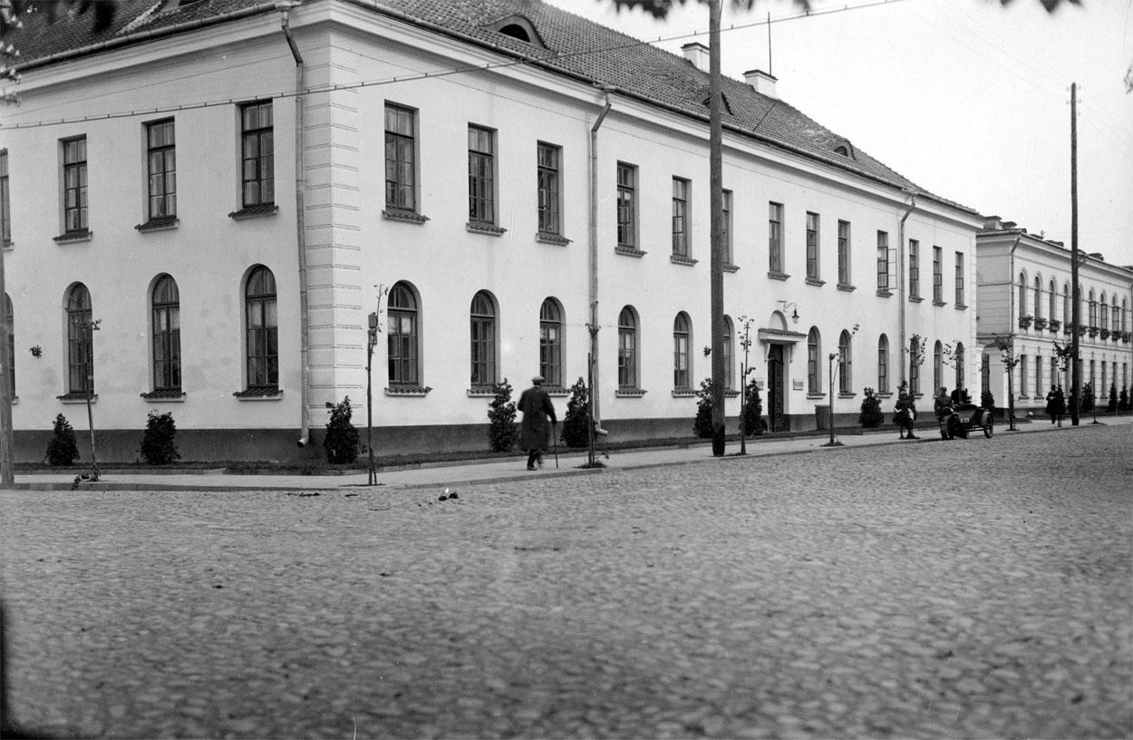 ru87-progulka-po-staromu-brestu-tsentr-krepost-i-mnogo-zaborov_24