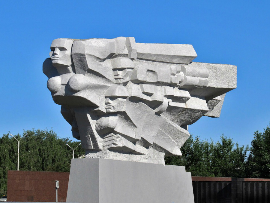 by92-aplavucha-pomniku-i-selfi-u-kanclahiery-heta-norm_07